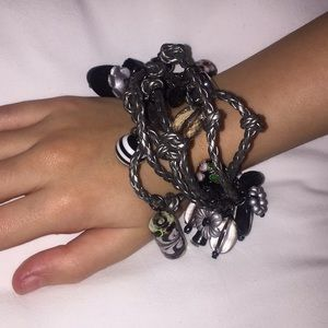 "Jewelry - Woman's a Exotic 7"" bracelet"